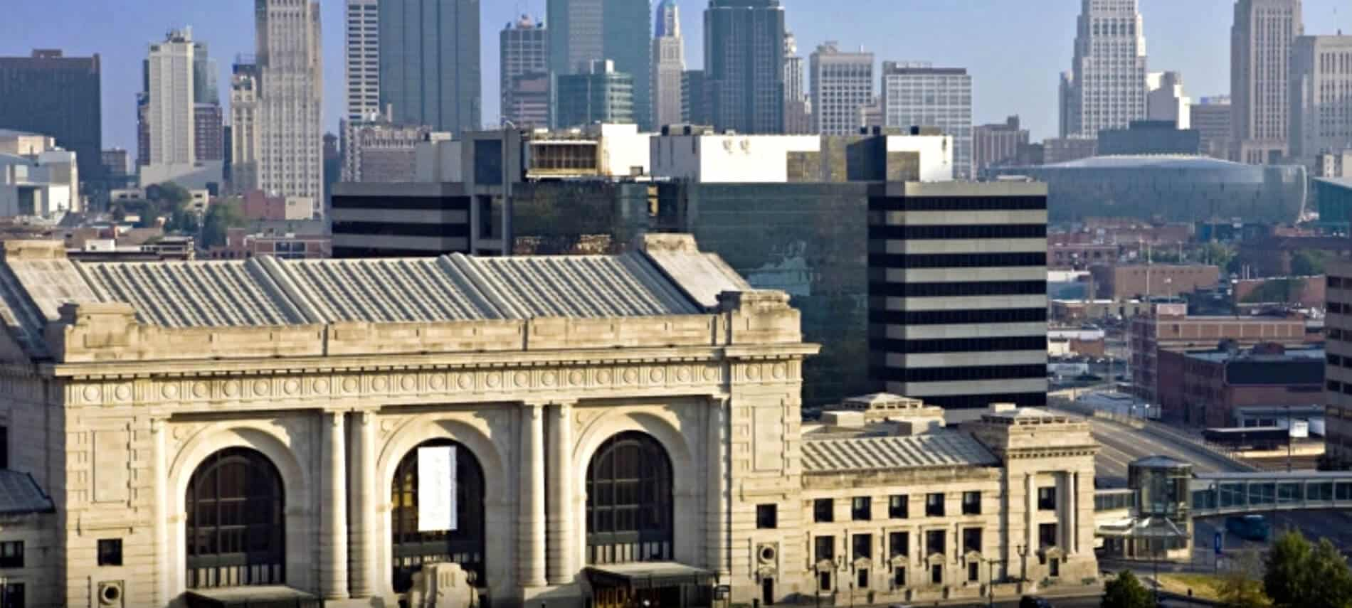 Overview of Kansas City, MO with many tall buildings